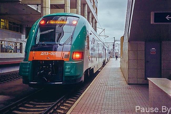поезд в национальный аэропорт Минск-2.jpg