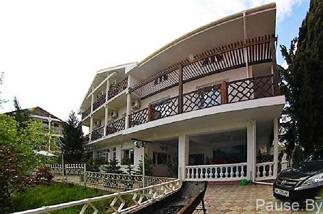 Гостевой дом Аквамарин в Алуште приглашает на отдых в Крым.jpg