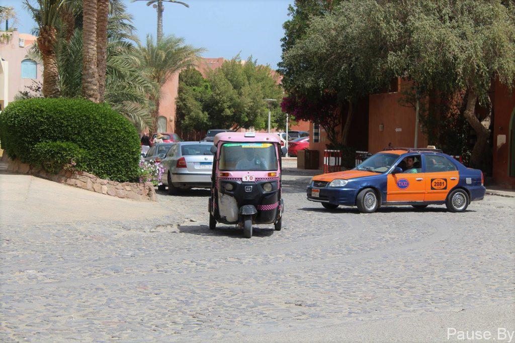 Taksi v Yegipte, gorod El'-Guna.jpg