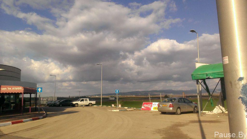 Облака над холмом Мегиддо, в Израиле.jpg