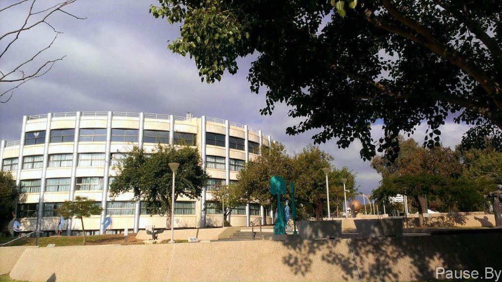 Тель Ха-Шомер - самый большой медицинский центр Израиля.jpg