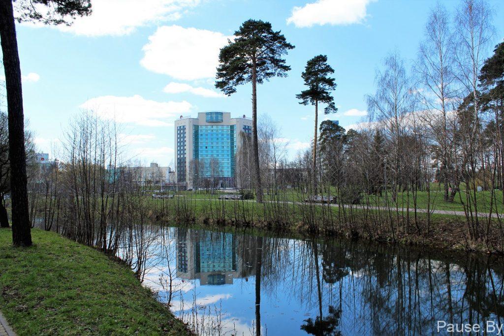 """Гостиница с видом на Комсомольское озеро и Дворец Независимости - отель """"Виктория"""".jpg"""